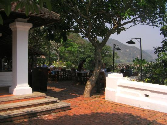 The Grand Luang Prabang Hotel & Resort: Outdoor breakfast area