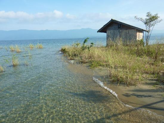 Tando Bone Resort: Cottage on water