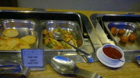 Hotel Kiranshree Portico: Breakfast @ Rs 499 INR