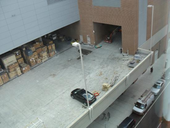 Hampton Inn Philadelphia Center City - Convention Center: Convention center loading dock 2