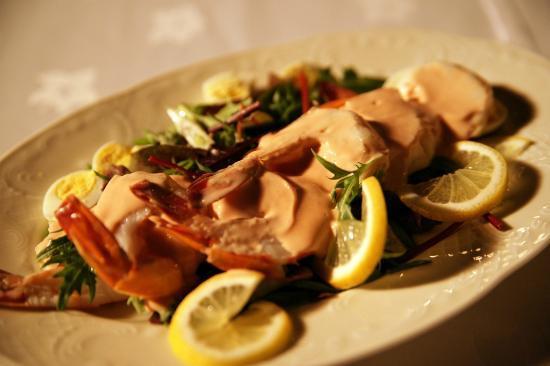 Al Maha, A Luxury Collection Desert Resort & Spa: Light meal for Picnic dinner in the desert