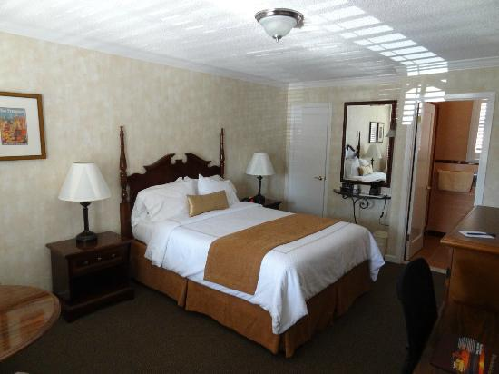 BEST WESTERN PLUS El Rancho Inn: Blick in das Zimmer