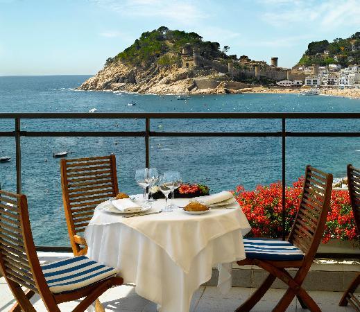 Premier Gran Hotel Reymar & Spa: Terraza Restaurante Vista Castillo
