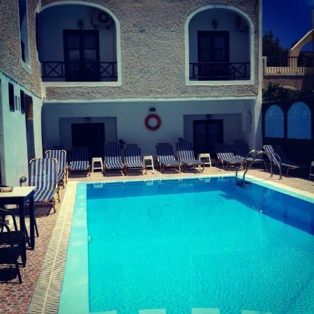 Anny Studios: Excellent pool