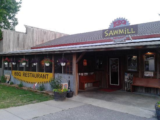 outside of Sawmill BBQ