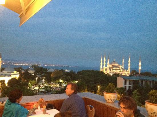 Blue Istanbul Hotel: Restaurant Cozy