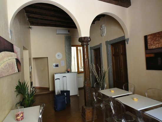 B&B In and Out Rome: Atrio e sala colazione
