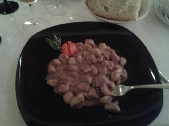 Mangiafuoco Ristorante: Gnocchetti di patate rosse al Sagrantino