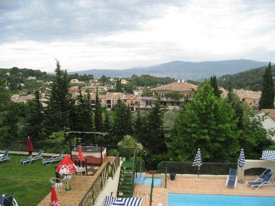 Le Club Mougins: View from Balcony; lovely when not obscured by clouds!