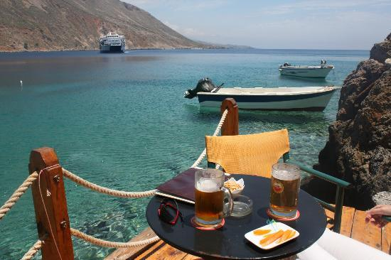 Loutro, Hellas: Drinks on the waterfront