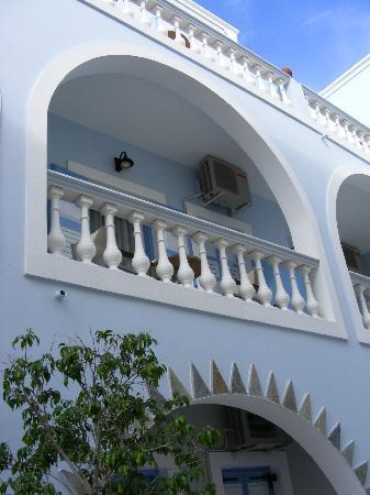 Blue Sky Hotel: Balcony