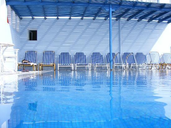 Blue Sky Hotel: Pool