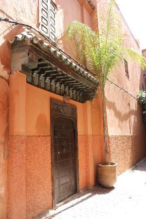 Riad Hayati: Outside the Riad