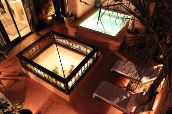 Riad Hayati: Our terrace by night