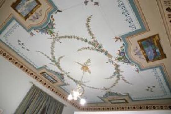Albergo Della Strega: dipinto del soffitto nella stanza