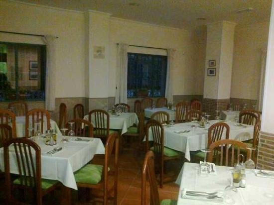 La Monda Bar Restaurant: comedor
