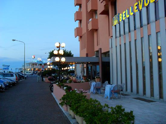Bellevue Hotel: view in the evening