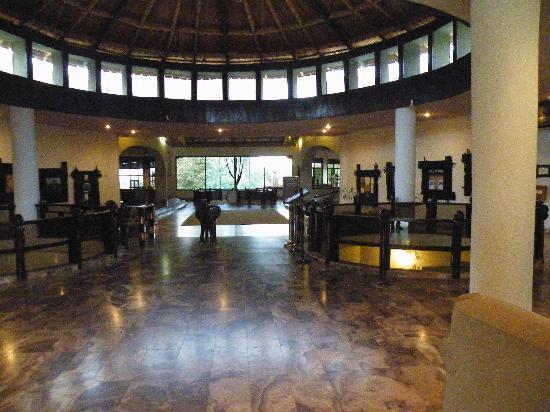 Tarangire Sopa Lodge: Lobby