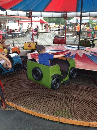 Memphis Kiddie Park: Spinning Car ride