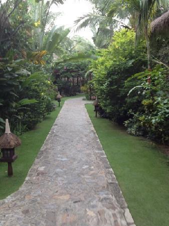 Cham Villas: weg zur Rezeption