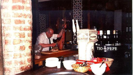 Casa Roman : El cirujano del jamón