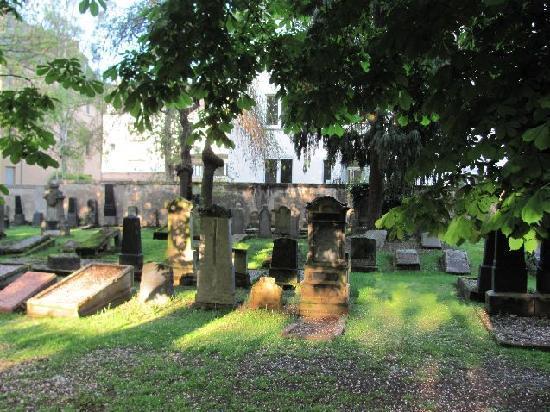 Rhens, Deutschland: Jewish cemetery Koblenz