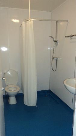 Palmers Lodge Hillspring: Baño habitación privada