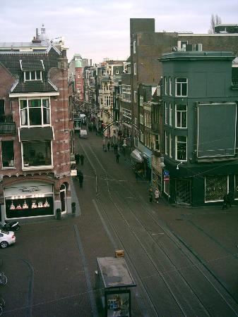 Dikker & Thijs Hotel : View along the street towards Dam