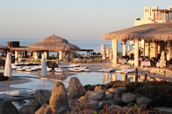 Las Ventanas al Paraiso, A Rosewood Resort: main pool and restaurants