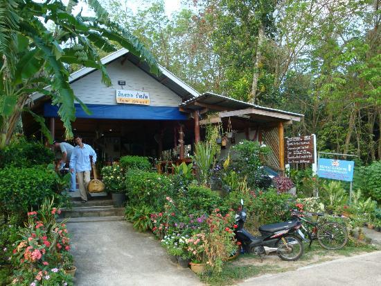 Heimat Gardens: Restaurant