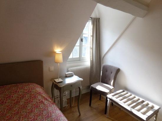 Hotel de Biencourt: Chambre double mansardée