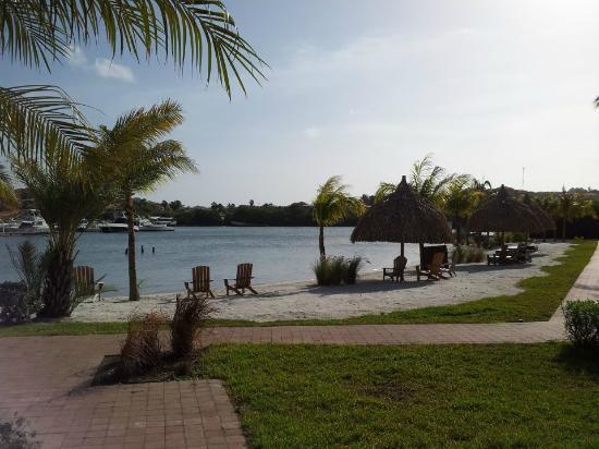La Maya Beach Luxury Apartments: Zicht op het Spaanse Water