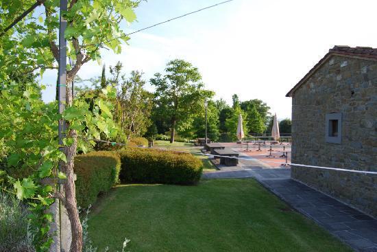 Borgo il Melone: La via per la piscina