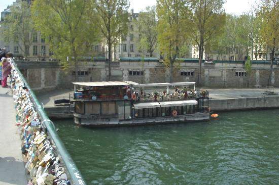 O Fil De L'O: now called kiosque flottant