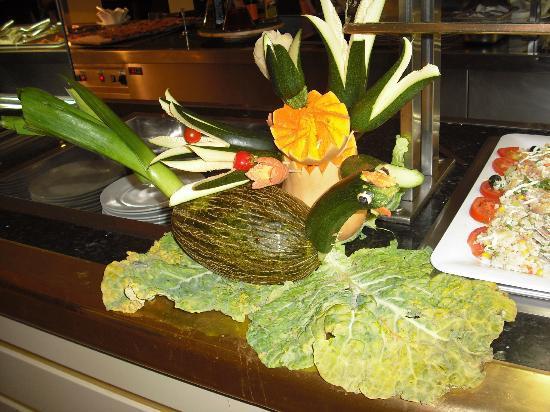 Luna Park Hotel: Reataurant food art