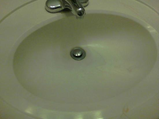 Days Inn Cedar City: sink