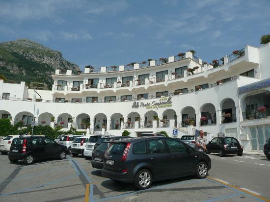 Punta Campanella Resort & Spa: Vista sobre el Hotel