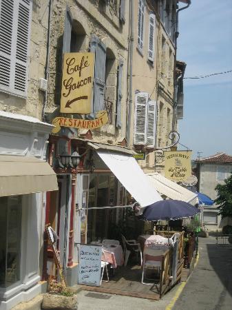 Au Cafe Gascon