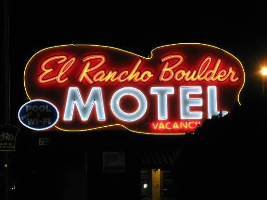 El Rancho Boulder Motel: neon sign