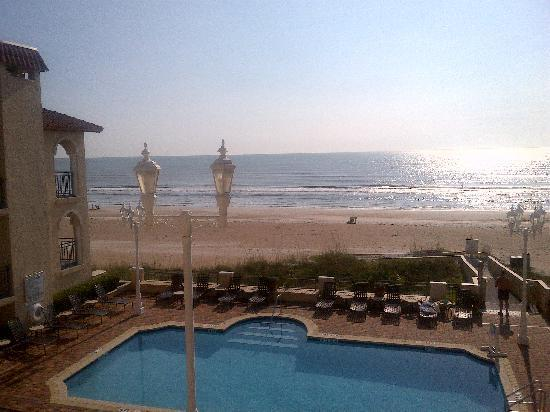 The Lodge and Club at Ponte Vedra Beach: morning view of the beach