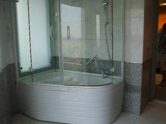 Grand Hotel Konya : Large Bath