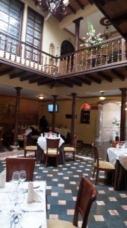 Hotel San Juan: lobby and restaurant