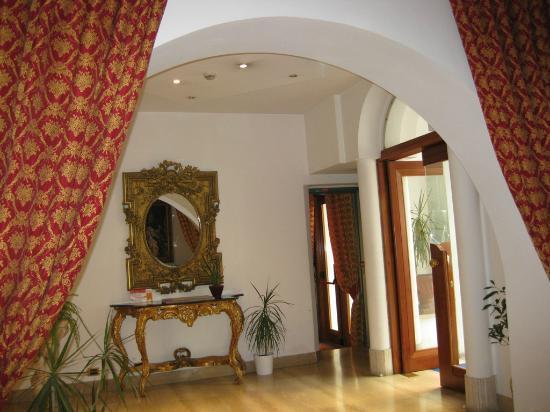 Hotel Canova: Lobby