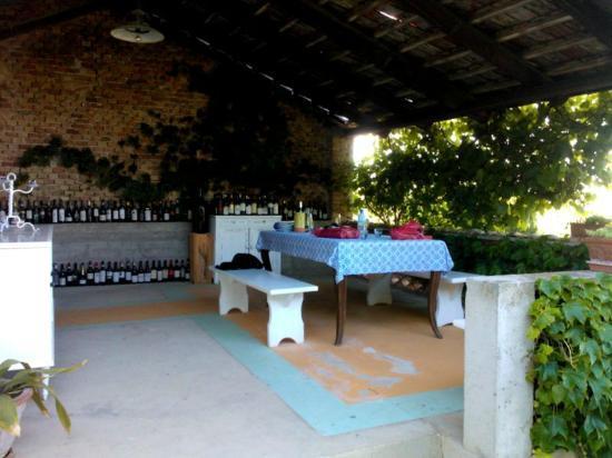 Casa di Maio: The little portico attached to the home