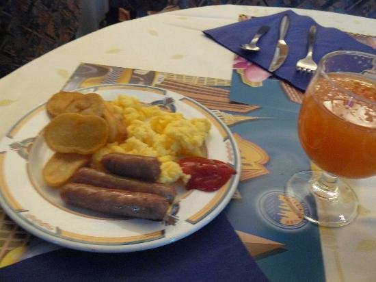 Disney's Hotel New York : Petit déjeuner anglais