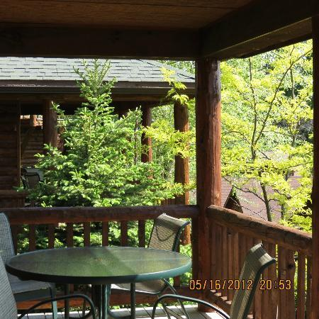 Lodges at Cresthaven: Privacy from one cabin to the other
