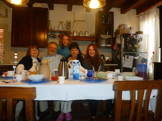 Bed & Breakfast Ca' Noemi: Our daily breakfast experience!