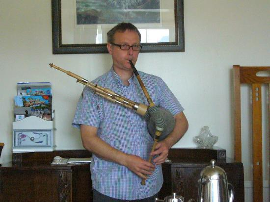 Balmacara, UK: Ross playing the pipes he made.
