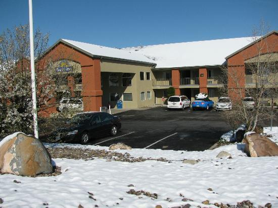 Days Inn Cedar City: frontside
