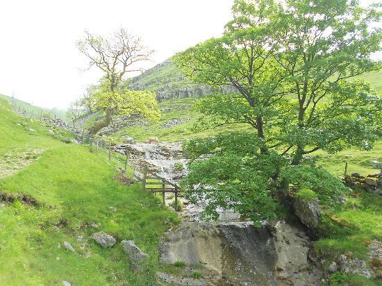 Pennycroft Guest House: 5 sisters waterfalls Hag Dyke